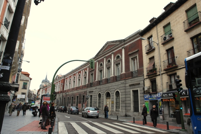 Universidad central visitando madrid 2009 vs 2012 - H m calle orense madrid ...