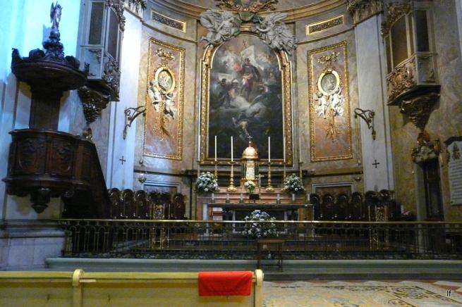 Resultado de imagen de ALTAR DE LA basilica de san miguel madrid