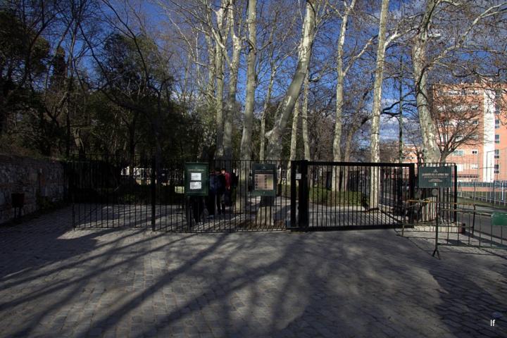 Entrada al Jardin El Capricho