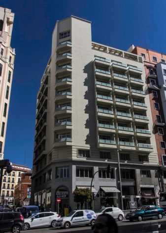 Hotel Menfis, Gran Vía 74 (1953-1954), de Manuel y Cayetano Cabanyes mata