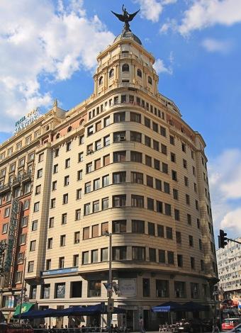 Edificio de La Unión y el Fénix, Gran Vía 68 (1944-1947), de CEREP S.L. y otros